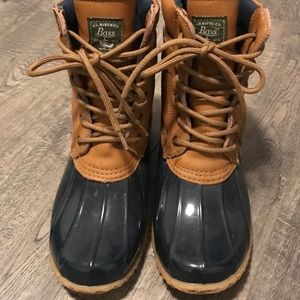 Snow boots in excellent condition 😍